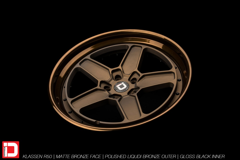 klassenid-wheels-r50-matte-bronze-face-polished-liquid-bronze-lip-gloss-black-hardware-15