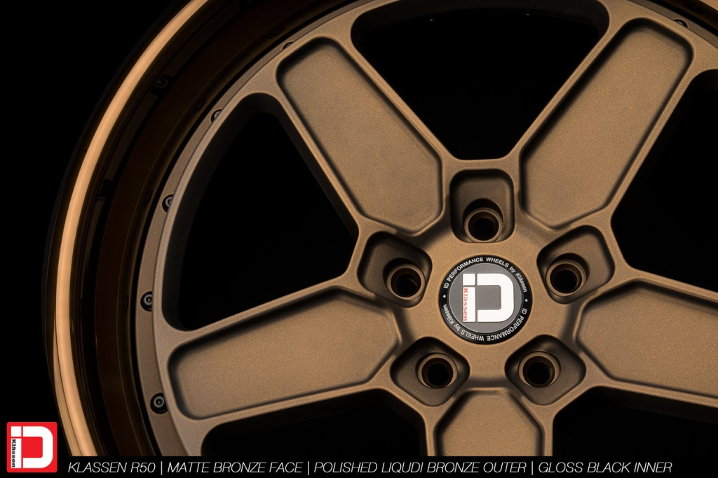 klassenid-wheels-r50-matte-bronze-face-polished-liquid-bronze-lip-gloss-black-hardware-4