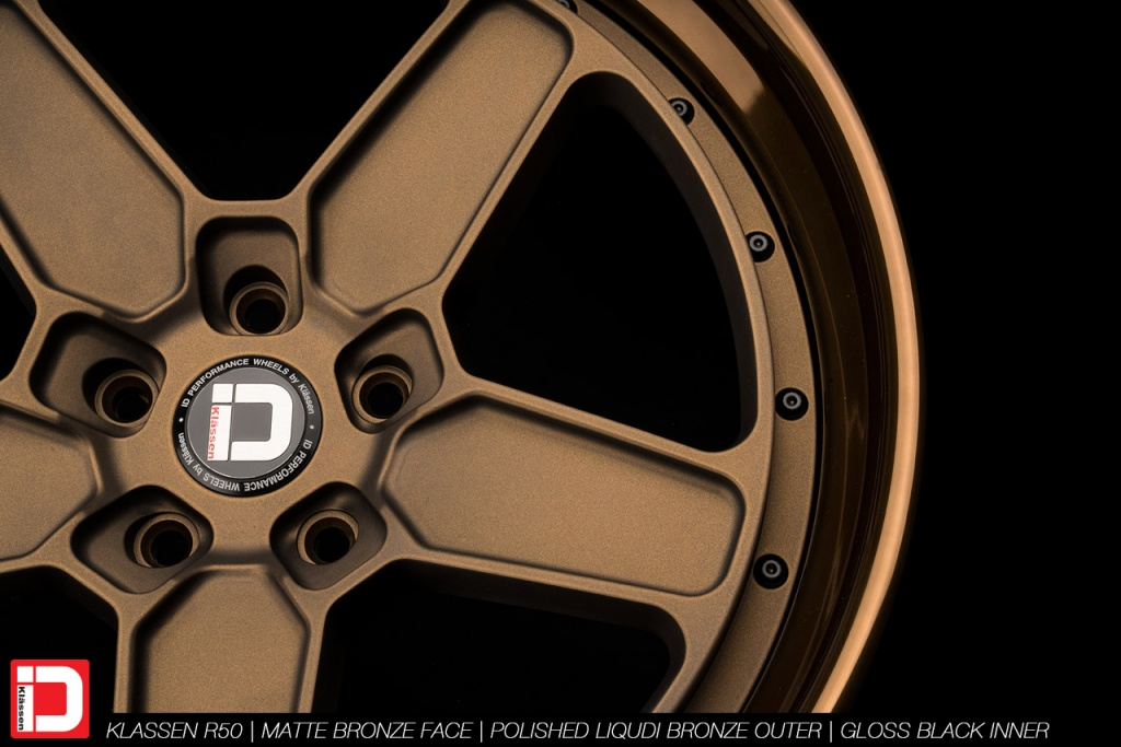 klassenid-wheels-r50-matte-bronze-face-polished-liquid-bronze-lip-gloss-black-hardware-5