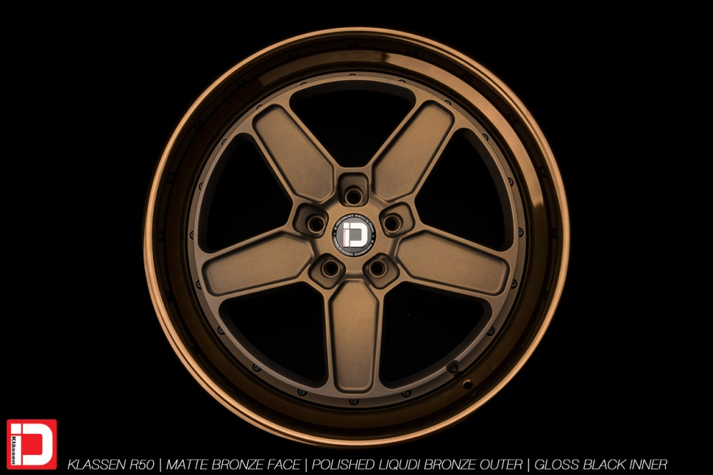 klassenid-wheels-r50-matte-bronze-face-polished-liquid-bronze-lip-gloss-black-hardware-6