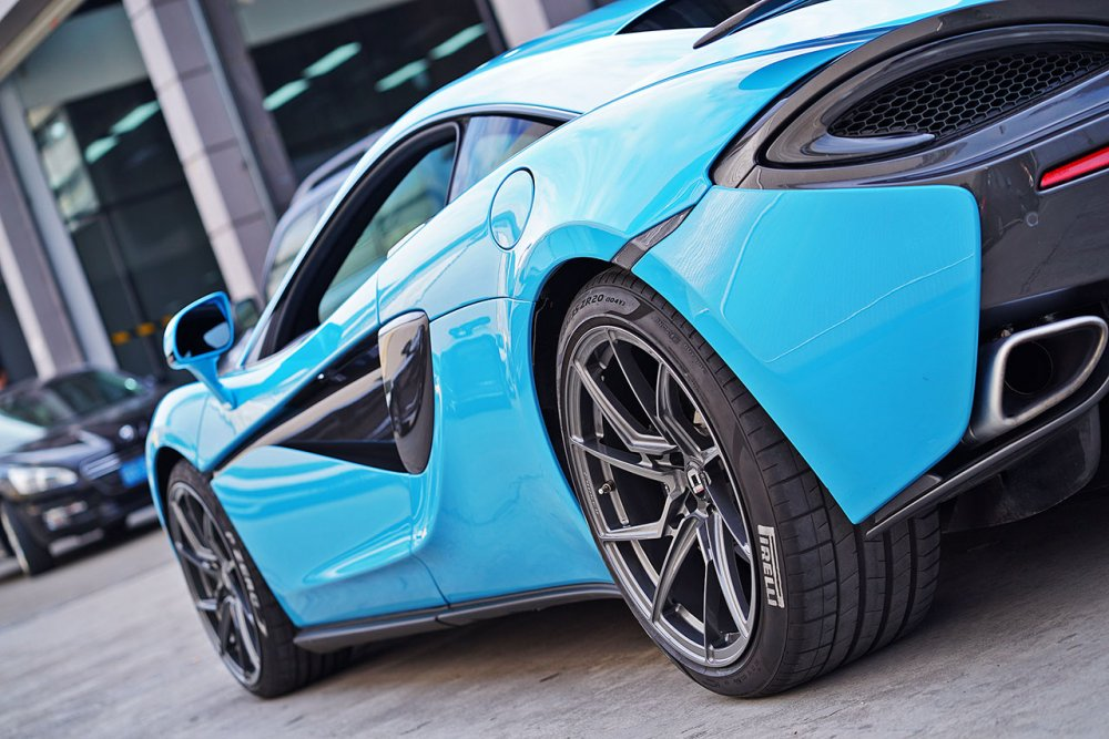 klassen klassenid wheels rims m56r gloss gunmetal mclaren 570s 675lt 720s baby blue custom forged monoblock directional split five spoke