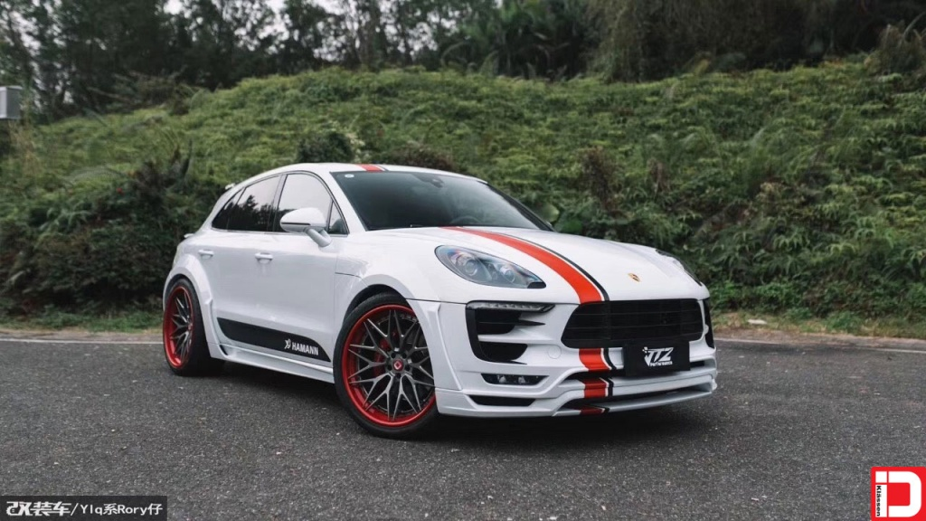 Porsche Macan White and Red CS10X Brushed Grigio Center Color Matched Red Outer Hardware