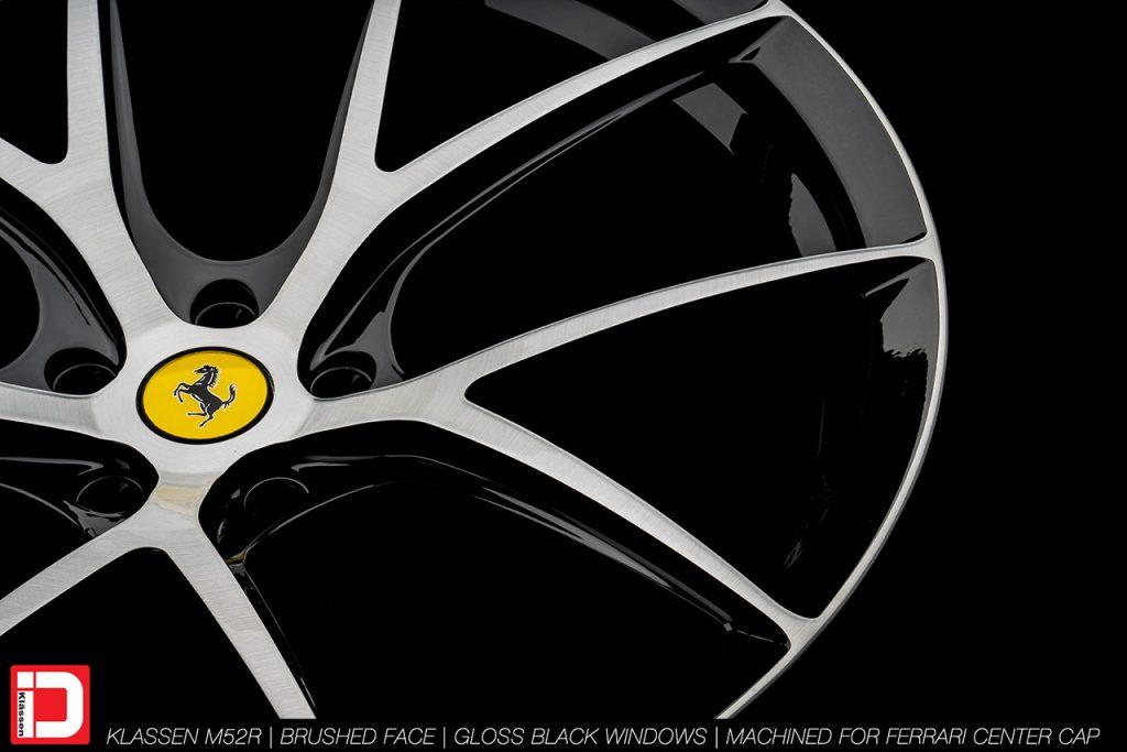 KlasseniD Wheels M52R - Brushed with Gloss Black Windows 10
