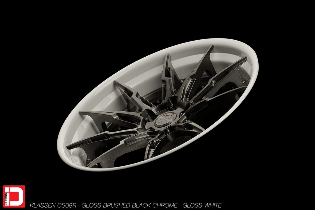 cs08r-brushed-black-chrome-gloss-white-klassen-id-01