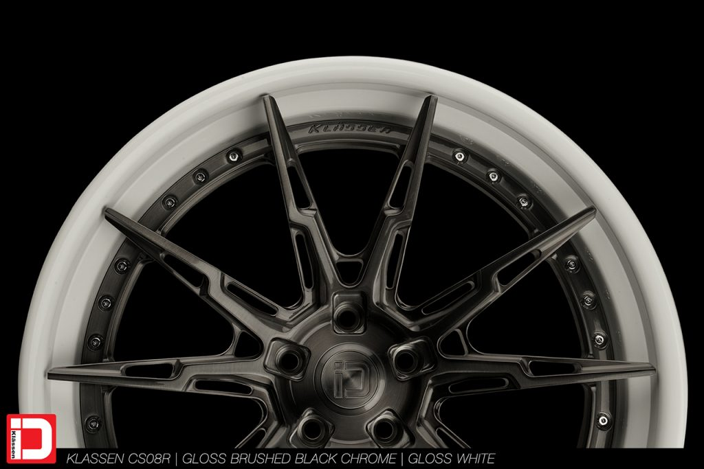 cs08r-brushed-black-chrome-gloss-white-klassen-id-02