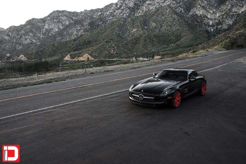 2015-Klassen-Mercedes-Benz-SLS-AMG-Static-5-2560×1600